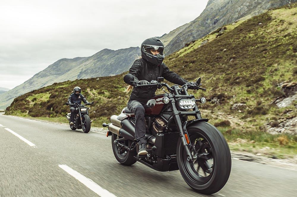 El precio de la Harley Davidson Sporster S es de 16.800 euros