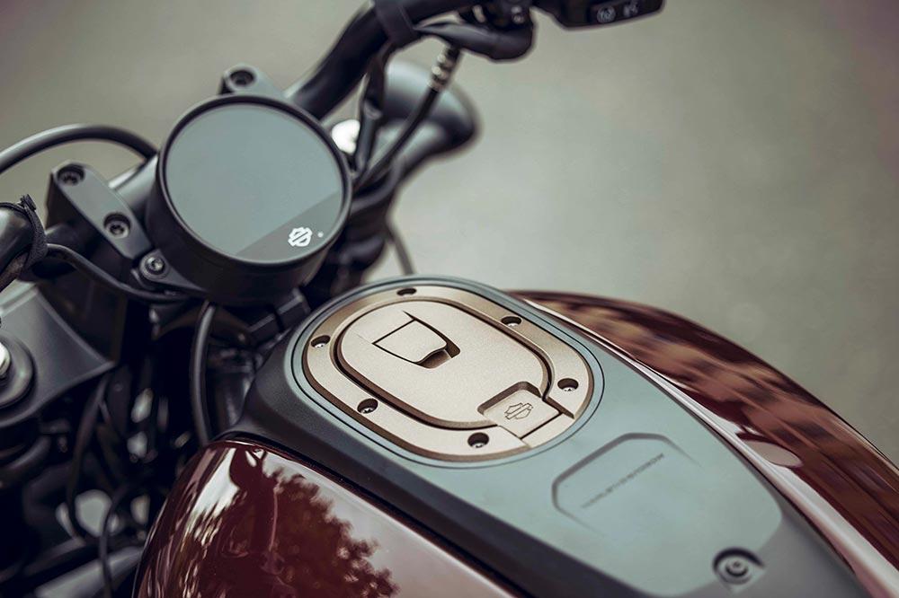 El cuadro de instrumentos de la Harley Davidson Sportster S es una pantalla redonda TFT