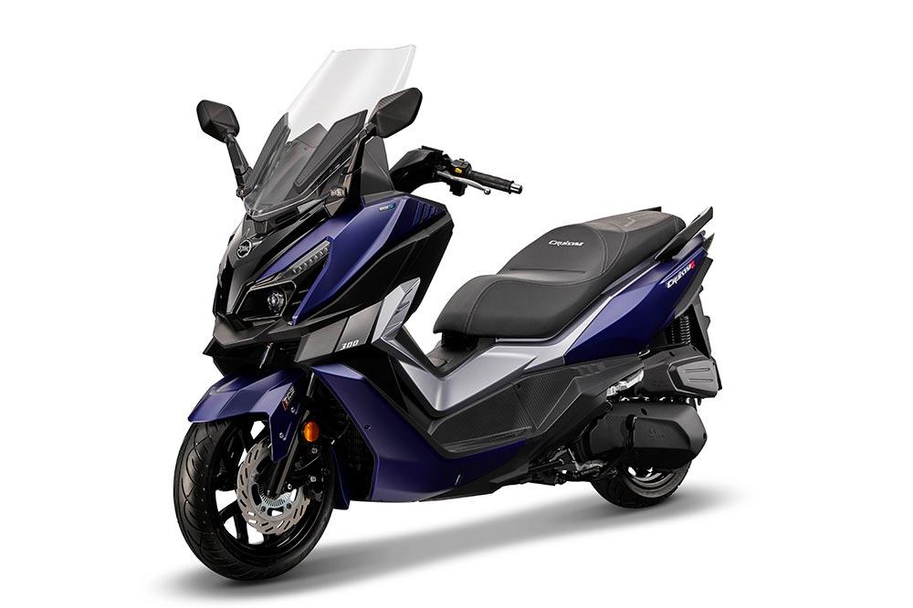 Frente a sus rivales ofrece uno de los precios más bajos dentro de la categoría scooter GT