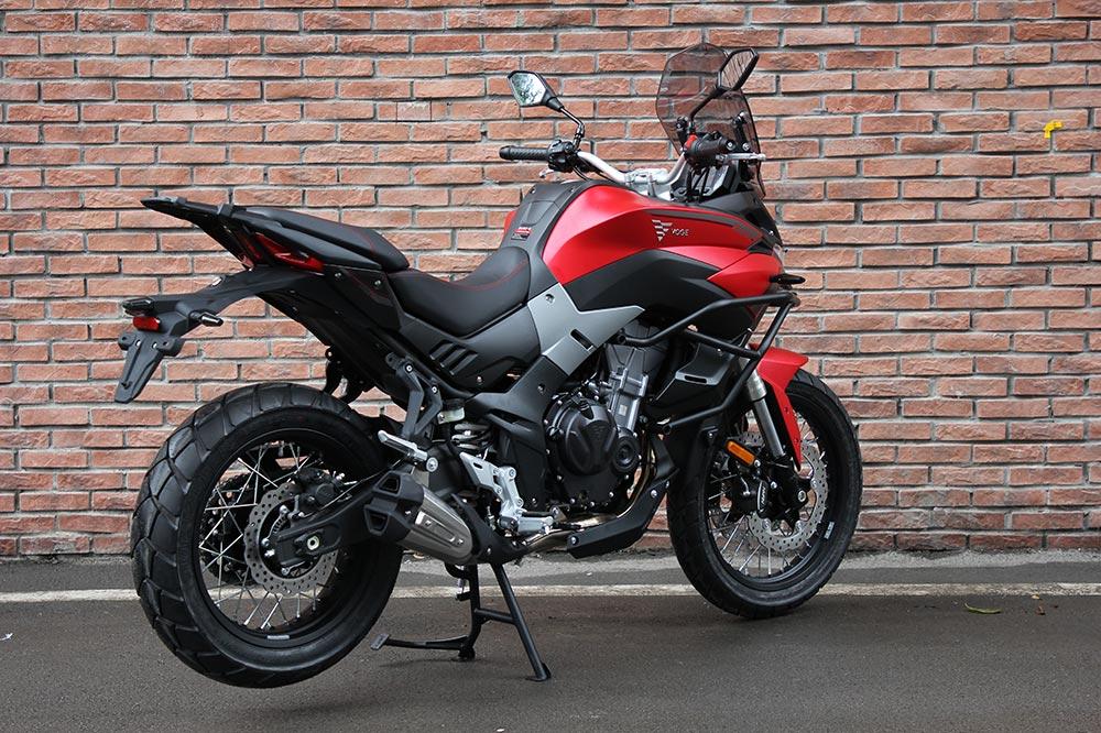 La Voge 500 DSX es una moto de gran envergadura, cómoda para largos viajes