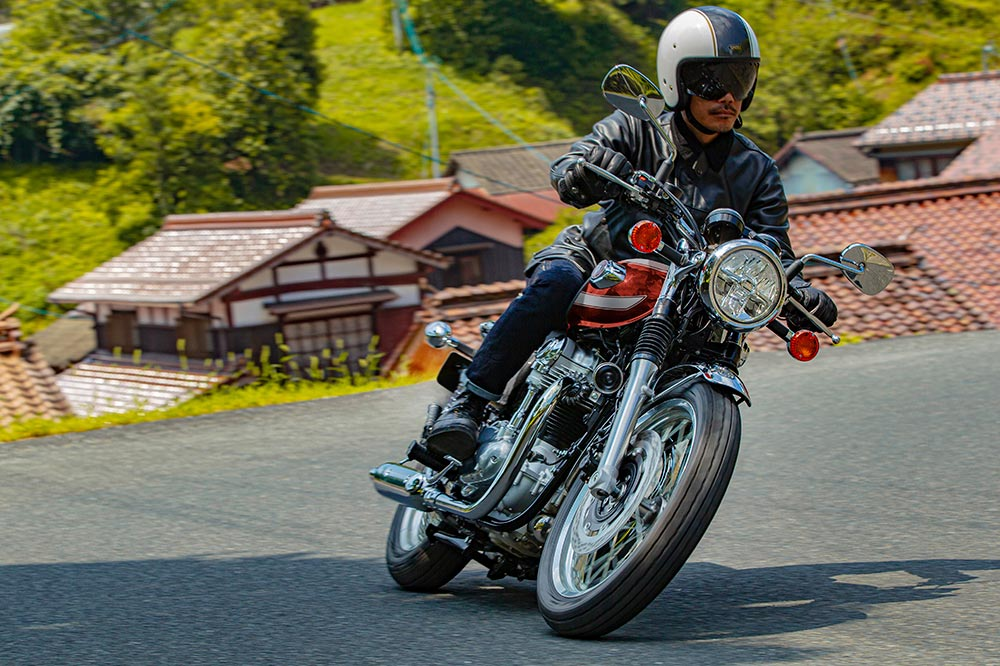 La Kawasaki W 800 es tu moto si quieres una moto con estilo, polivalente y sin pretensiones deportivas