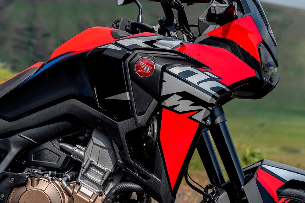La Honda Africa Twin 2022 estrena colores y un logo bien grande