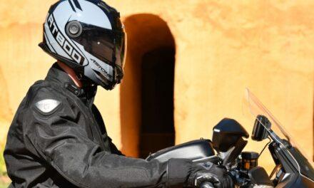 Alias, la nueva decoración del RT800 de Astone Helmets